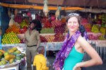 Shopping at the fruit market in Port Blair (Schlossbergmartin)