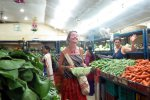 Provisioning at the vegetable market in Port Blair (Schlossbergmartin)