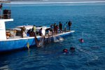 08_Maldivian_fishermen_catching_bait_fish_in_Ari-Atoll