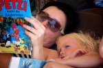 15_Keanus_loves_reading_Patzi_books_with_Karin