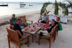 20_Beach_dinner_in_Dhangethi