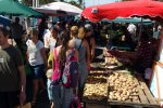 63_Shopping_at_the_weekend_market_in_St_Pierre
