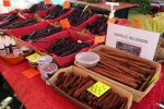 65_Selling_vanille_and_cinnamon_at_the_weekend_market