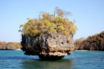 03_Big_rock_in_Maramba_Bay
