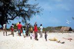 19_The_people_on_Bazaruto_were_very_happy_after_we_visited_them_with_some_presents_(Puchner_Sonja)