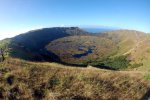 04_The_crater_lake_on_Rano_Kau