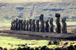 17_The_largset_ceremonial_plattform_with_15_restored_Moai_at_Ahu_Tongariki