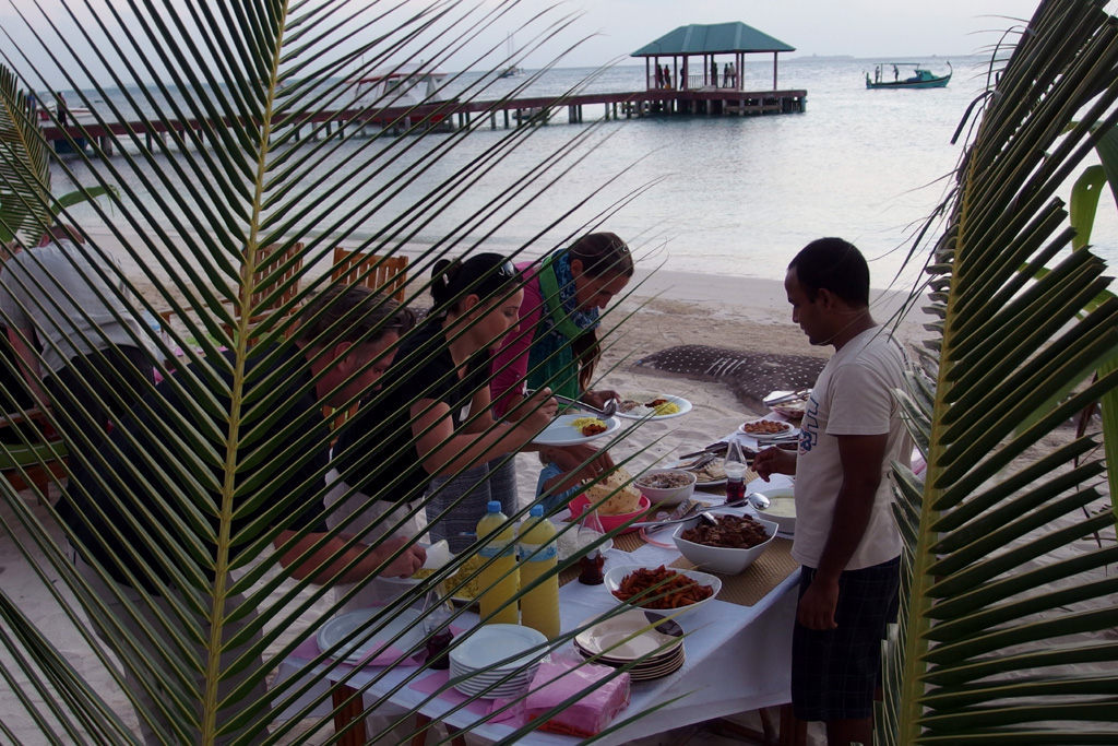 The delicious buffet table in Dhangethi